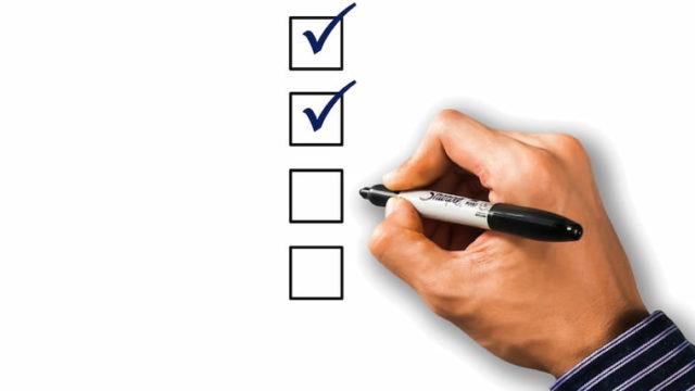 チェックリストを書く画像